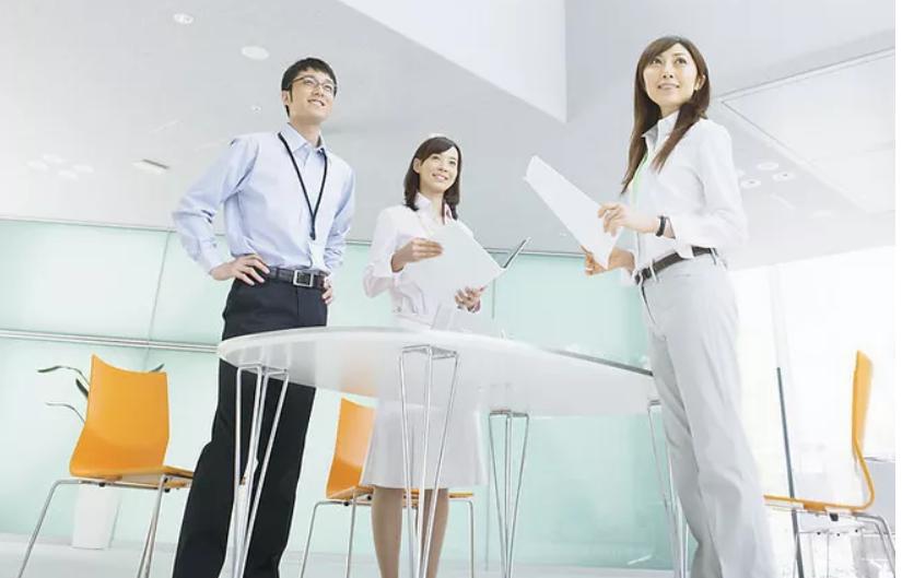 職場精英告訴應屆生求職要做的四件事